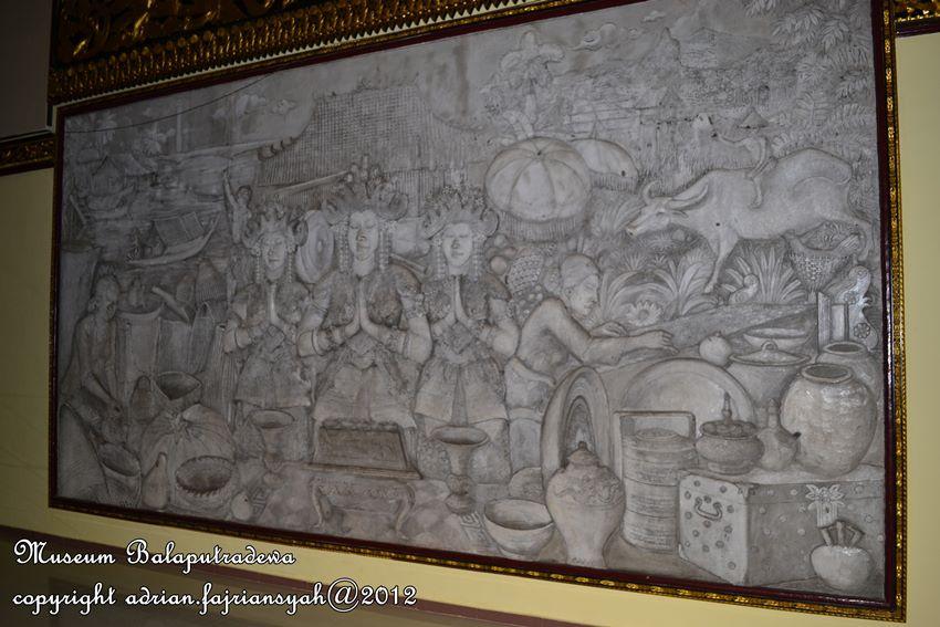 Gambar 3. Relife kehidupan masyarakat Palembang dan Sumatera Selatan.